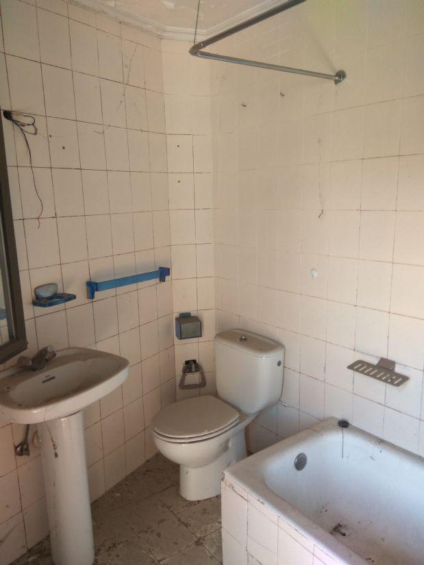 Piso en venta en Piso en Aretxabaleta, Guipúzcoa, 53.000 €, 2 habitaciones, 1 baño, 83,98 m2