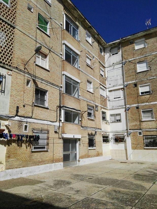 Piso en venta en Jerez de la Frontera, Cádiz, Plaza Sevillana, 23.000 €, 3 habitaciones, 1 baño, 56 m2