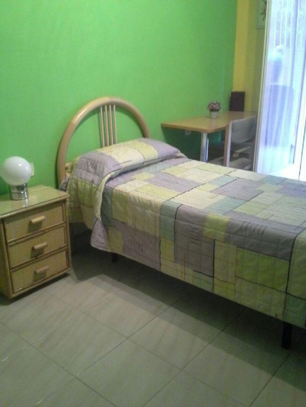Piso en venta en Berga, Barcelona, Calle Cercs, 65.000 €, 3 habitaciones, 1 baño, 92 m2