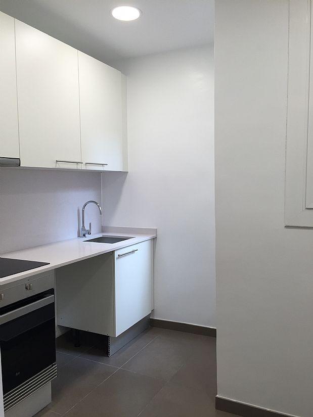 Piso en alquiler en Eixample, Barcelona, Barcelona, Calle Entença, 1.080 €, 3 habitaciones, 1 baño, 60 m2