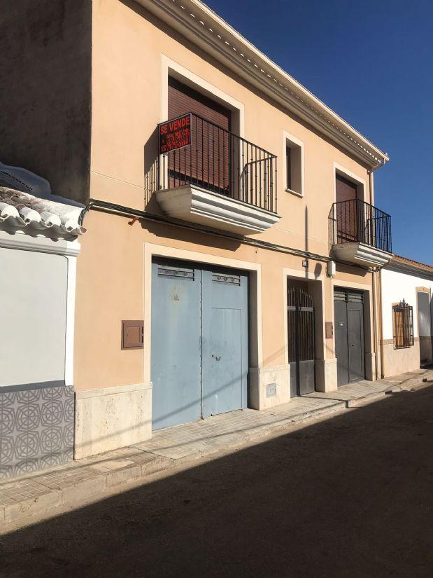 Casa en venta en Tomelloso, Ciudad Real, Calle Libertad, 175.000 €, 5 habitaciones, 3 baños, 280 m2