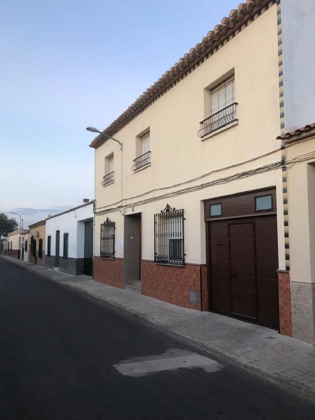 Casa en venta en Tomelloso, Ciudad Real, Calle Cabo Nogal, 130.000 €, 6 habitaciones, 3 baños, 268 m2