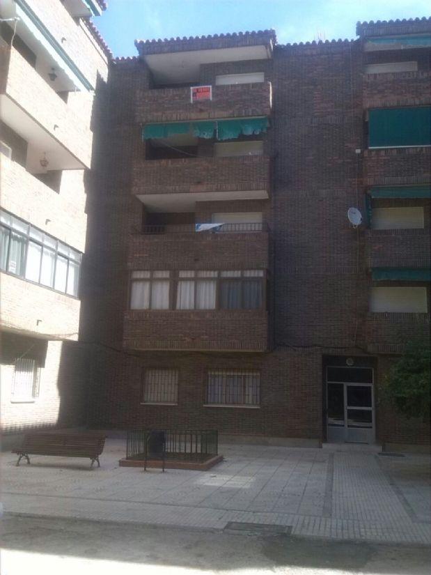 Piso en venta en Socuéllamos, Ciudad Real, Plaza de la Iglesia, 35.000 €, 4 habitaciones, 1 baño, 127 m2