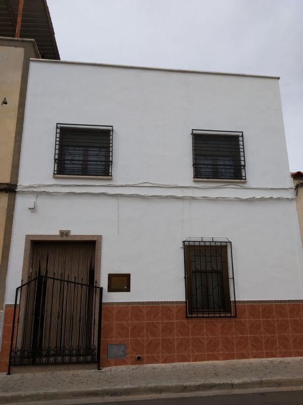 Casa en venta en Tomelloso, Ciudad Real, Calle Embajadores, 50.000 €, 4 habitaciones, 2 baños, 80 m2