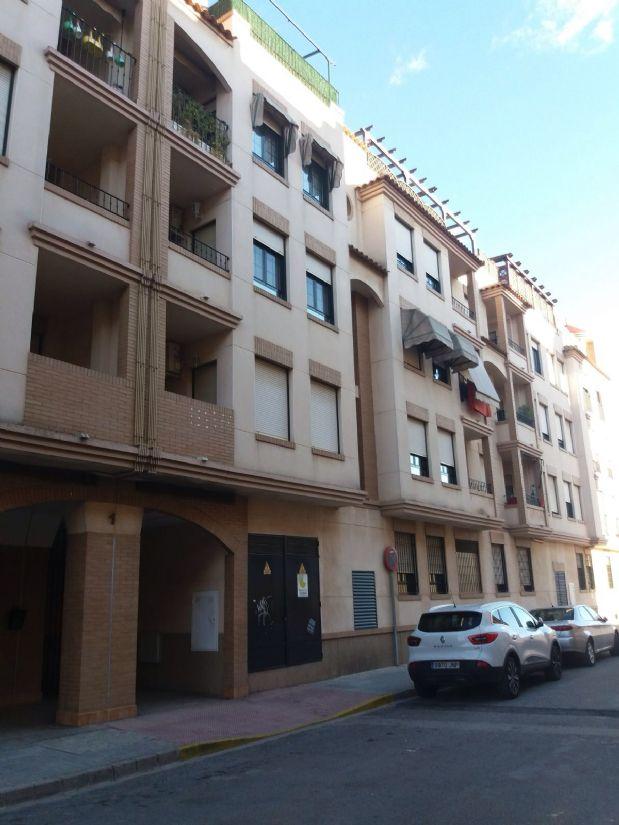 Piso en venta en Tomelloso, Ciudad Real, Calle Garnacha, 75.000 €, 3 habitaciones, 2 baños, 100 m2