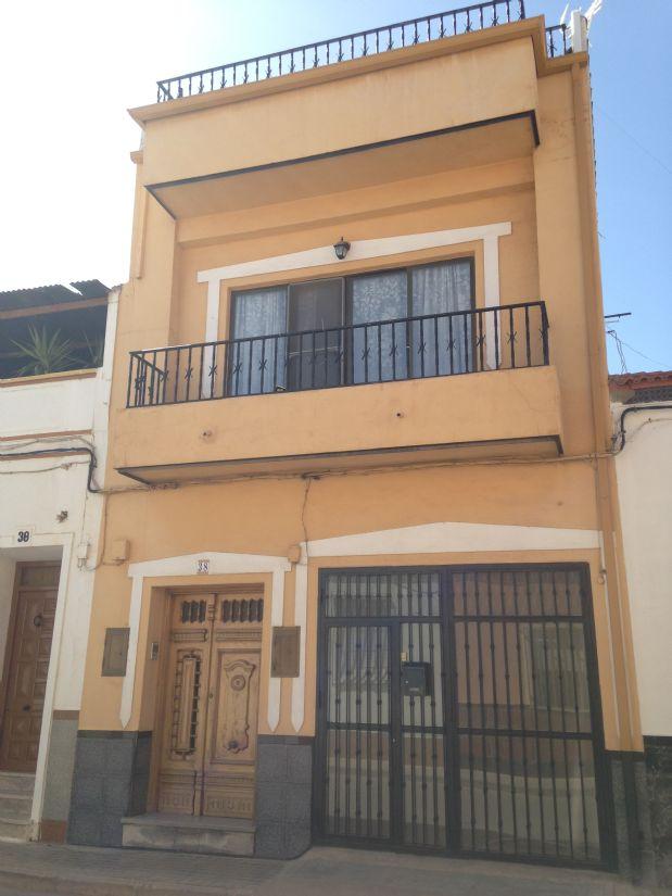 Casa en venta en Tomelloso, Ciudad Real, Calle Campomanes, 70.000 €, 5 habitaciones, 2 baños, 300 m2