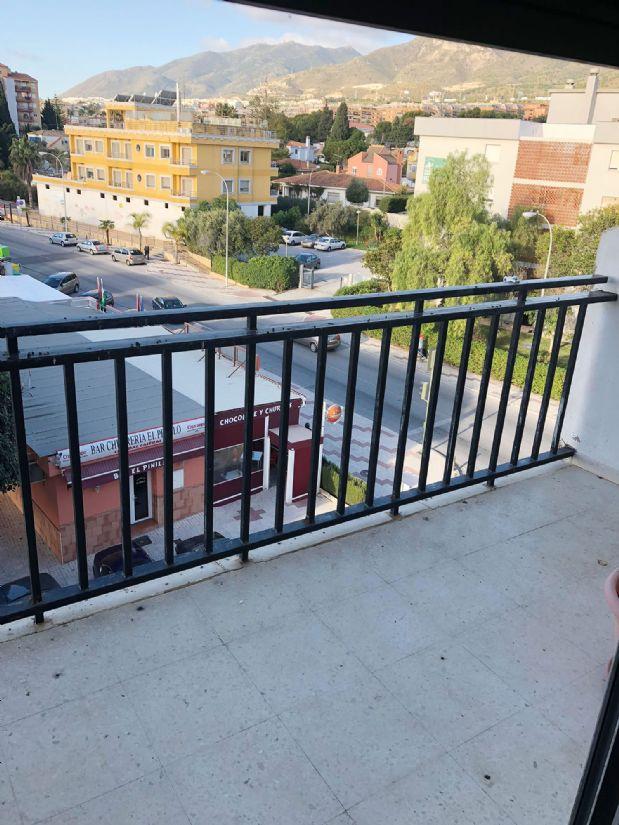 Piso en venta en El Pinillo, Torremolinos, Málaga, Calle Prokofiev, 166.400 €, 4 habitaciones, 2 baños, 103 m2