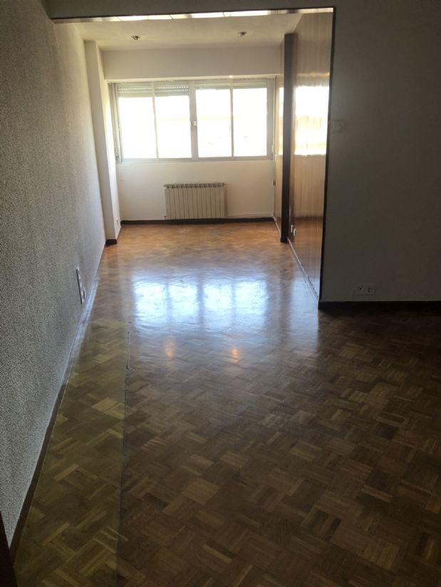 Piso en alquiler en Madrid, Madrid, Calle Santa Marta, 650 €, 3 habitaciones, 1 baño, 65 m2