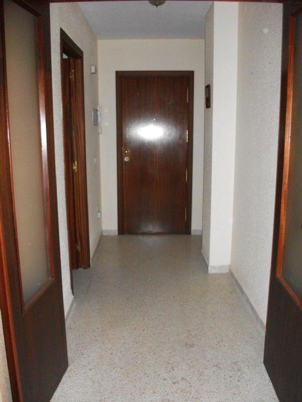 Piso en venta en Andújar, Jaén, Avenida Pablo Picasso, 85.000 €, 3 habitaciones, 1 baño, 116 m2