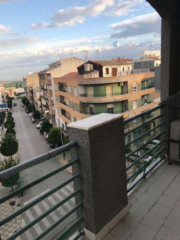 Piso en venta en Torre del Campo, Jaén, Avenida Constitucion, 95.900 €, 3 habitaciones, 1 baño, 140 m2