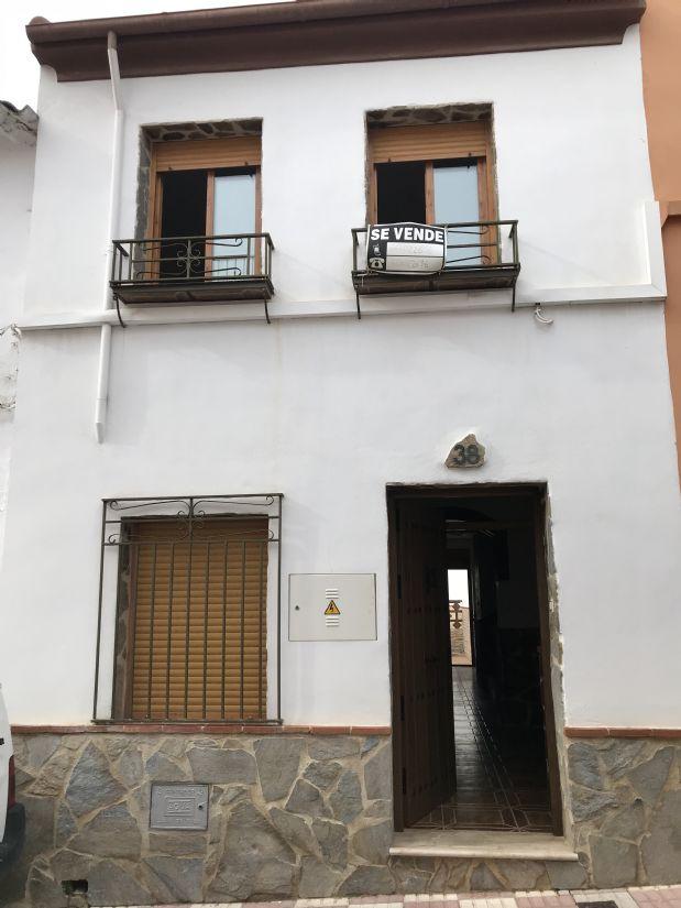 Casa en venta en Torredonjimeno, Jaén, Calle Don Jose Lopez Arjona, 96.425 €, 4 habitaciones, 2 baños, 151 m2
