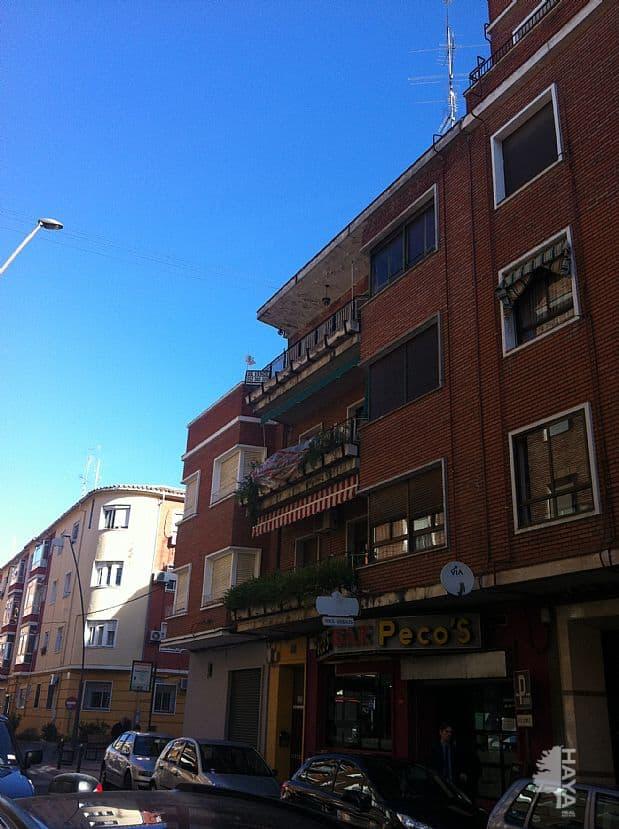 Piso en venta en Barrio de Santa Maria, Talavera de la Reina, Toledo, Calle Juan Ruiz Luna, 38.000 €, 3 habitaciones, 1 baño, 120 m2