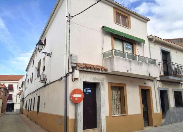 Piso en venta en Casar de Cáceres, Cáceres, Calle del Cura, 117.500 €, 3 habitaciones, 2 baños, 284 m2