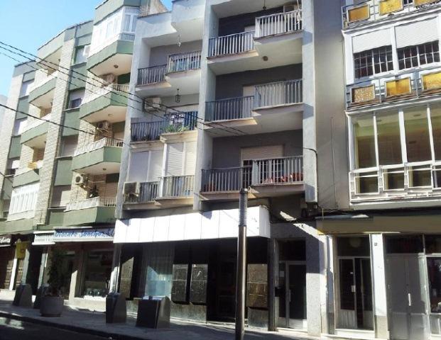 Piso en venta en Don Benito, Badajoz, Calle Arroyazo, 90.000 €, 4 habitaciones, 2 baños, 139 m2