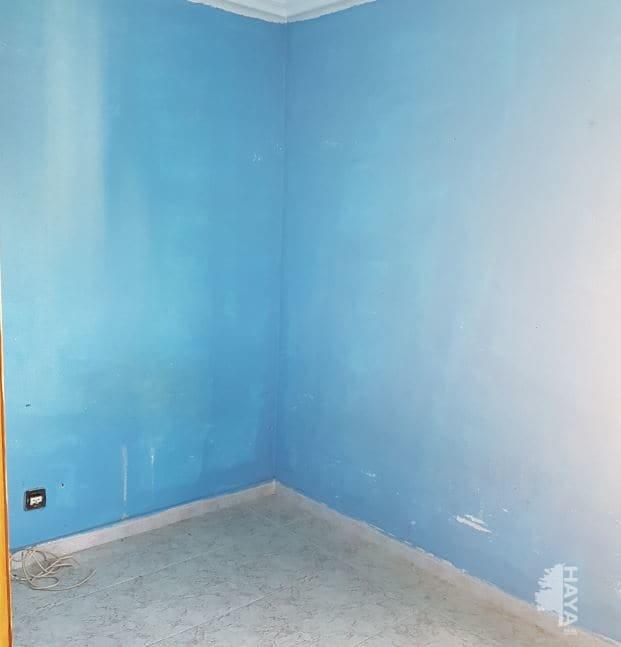 Piso en venta en Piso en Sevilla, Sevilla, 81.000 €, 4 habitaciones, 1 baño, 85 m2