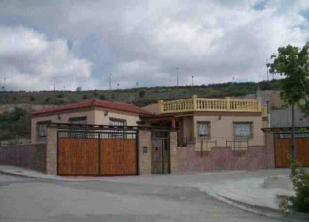 Casa en venta en Cumbres Verdes, la Zubia, Granada, Calle Fuente Vaqueros, 212.100 €, 3 habitaciones, 2 baños, 250 m2