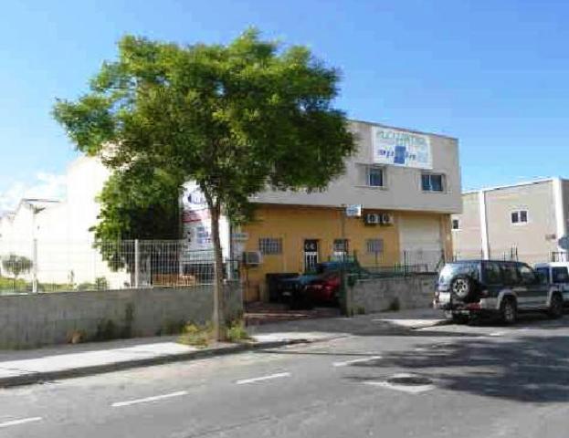 Industrial en venta en Reus, Tarragona, Calle Antoni Rubio I Lluch, 94.100 €, 324 m2