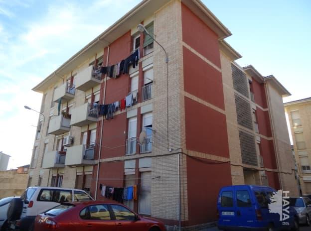 Piso en venta en Barrio del Perpetuo Socorro, Huesca, Huesca, Calle Miguel Fleta, 23.000 €, 1 baño, 76 m2