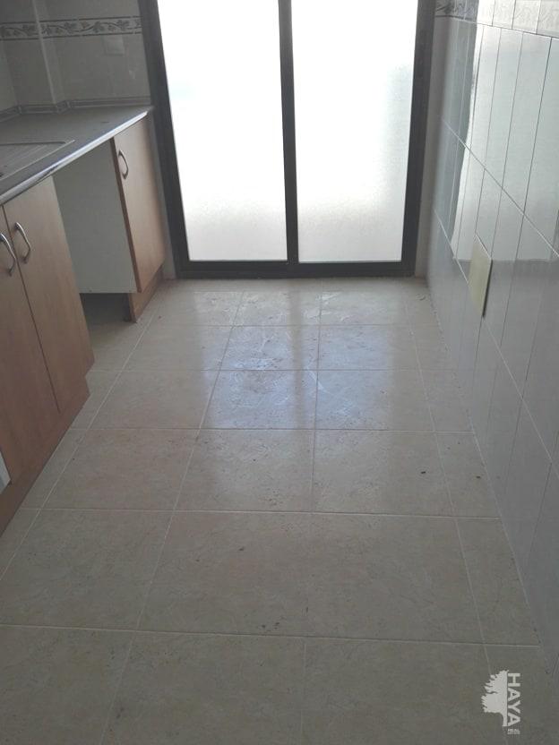 Piso en venta en Albatera, Alicante, Calle Juan Carlos I, 88.000 €, 3 habitaciones, 2 baños, 133 m2