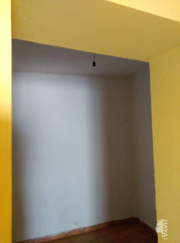Piso en venta en Coria, Cáceres, Calle Obispo Moreno Barrios, 67.000 €, 2 habitaciones, 1 baño, 200 m2