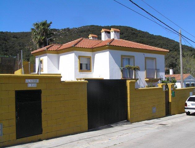 Casa en venta en Algeciras, Cádiz, Calle Almendarache, 152.100 €, 3 habitaciones, 2 baños, 130 m2