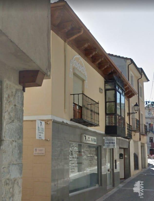 Piso en venta en Cuéllar, Segovia, Calle San Francisco, 81.877 €, 1 habitación, 2 baños, 150 m2
