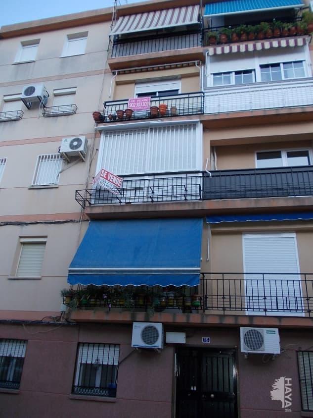 Piso en venta en La Glorieta, Jaén, Jaén, Calle Ronda Astronomo Al-jayyani, 45.000 €, 3 habitaciones, 1 baño, 65 m2