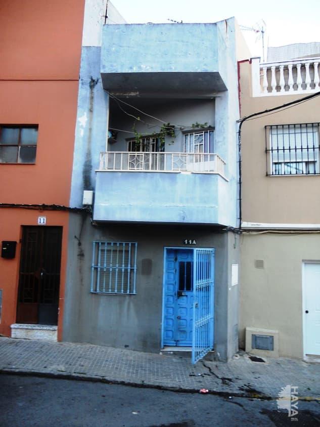 Piso en venta en Algeciras, Cádiz, Calle Zaragoza, 28.000 €, 2 habitaciones, 1 baño, 74 m2