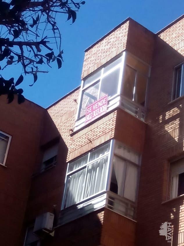 Piso en venta en Alcázar de San Juan, Ciudad Real, Calle Mari Monreal, 49.000 €, 3 habitaciones, 1 baño, 98 m2