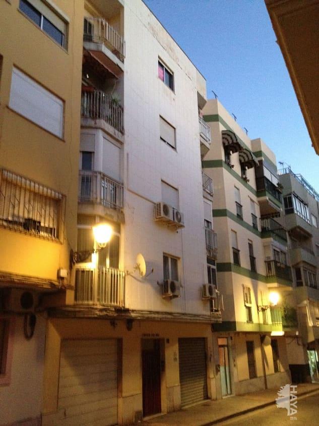 Piso en venta en Almedina, Almería, Almería, Calle Reina de La, 44.000 €, 2 habitaciones, 1 baño, 83 m2