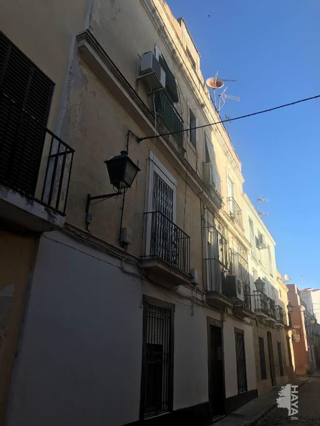Piso en venta en Casco Antiguo, Badajoz, Badajoz, Calle Sepulveda, 35.000 €, 3 habitaciones, 1 baño, 66 m2