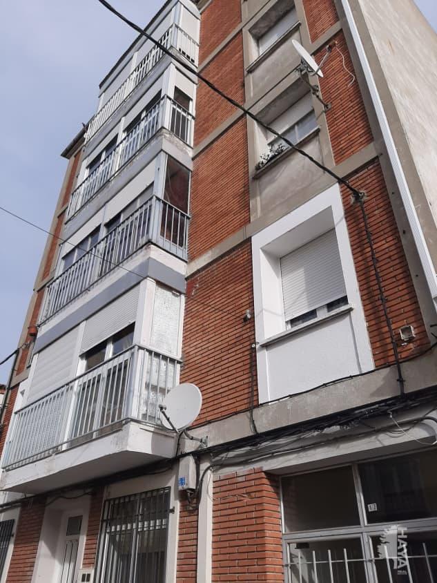Piso en venta en Tudela de Duero, Valladolid, Calle Santiago, 67.000 €, 3 habitaciones, 1 baño, 112 m2