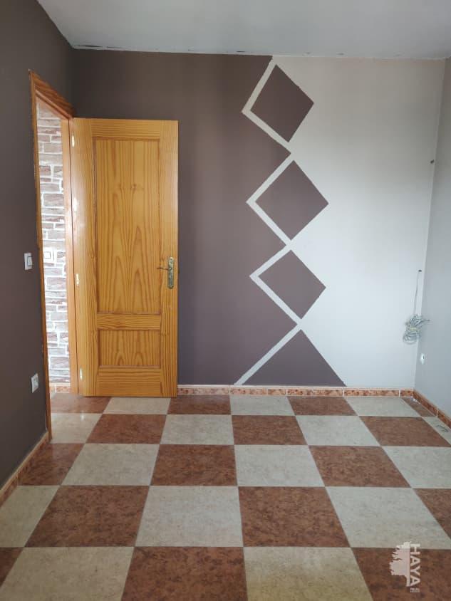 Piso en venta en Piso en Roquetas de Mar, Almería, 61.000 €, 3 habitaciones, 1 baño, 98 m2