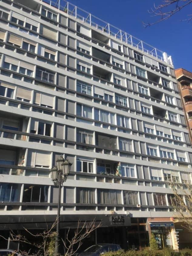 Piso en venta en El Cristo Y Buenavista, Oviedo, Asturias, Calle Sara Suarez Solis, 69.000 €, 2 habitaciones, 1 baño, 67 m2