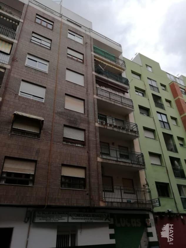 Piso en venta en Grupo Ribes Pla, Castellón de la Plana/castelló de la Plana, Castellón, Calle Rio Palancia, 91.800 €, 4 habitaciones, 1 baño, 99 m2