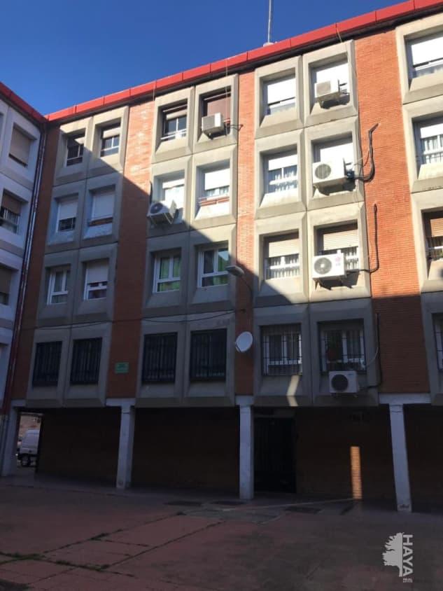 Piso en venta en Alcalá de Henares, Madrid, Calle Gonzalo de Berceo, 96.900 €, 3 habitaciones, 1 baño, 77 m2