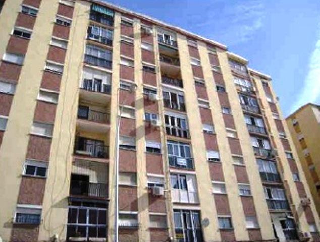 Piso en venta en Cruz de Humilladero, Málaga, Málaga, Calle Competa, 105.700 €, 3 habitaciones, 1 baño, 82 m2