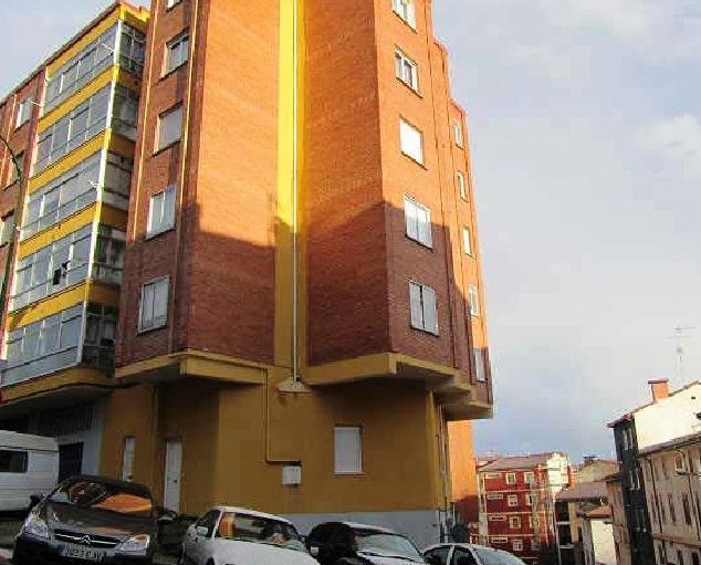 Piso en venta en Vadillos, Burgos, Burgos, Calle Subida San Miguel, 69.900 €, 2 habitaciones, 1 baño, 81 m2