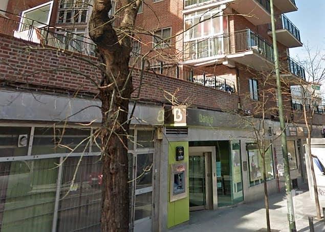 Local en venta en Madrid, Madrid, Avenida Daroca, 367.234 €, 227 m2