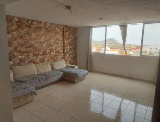 Piso en venta en 41629, Arona, Santa Cruz de Tenerife, Calle Abrigaño, 99.900 €, 3 habitaciones, 1 baño, 120 m2