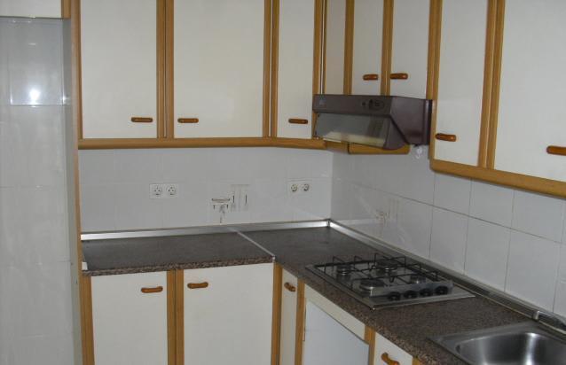 Piso en venta en Tarragona, Tarragona, Avenida Montsant, 32.761 €, 3 habitaciones, 1 baño, 81 m2