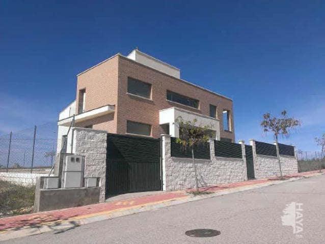 Casa en venta en Horche, Guadalajara, Calle Francisco Vives Camino, 167.000 €, 4 habitaciones, 2 baños, 308 m2