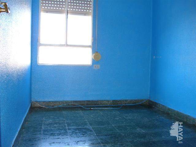 Piso en venta en Piso en Vila-real, Castellón, 33.500 €, 3 habitaciones, 1 baño, 81 m2