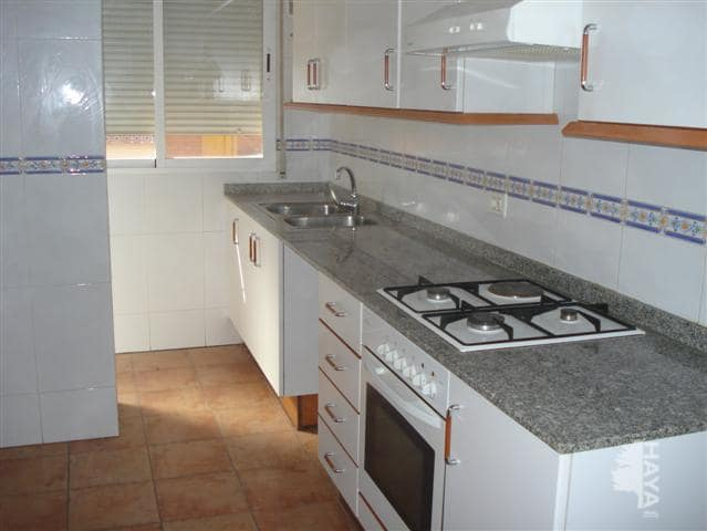 Piso en venta en Almazora/almassora, Castellón, Calle Batalla de Lepanto, 87.400 €, 3 habitaciones, 2 baños, 111 m2