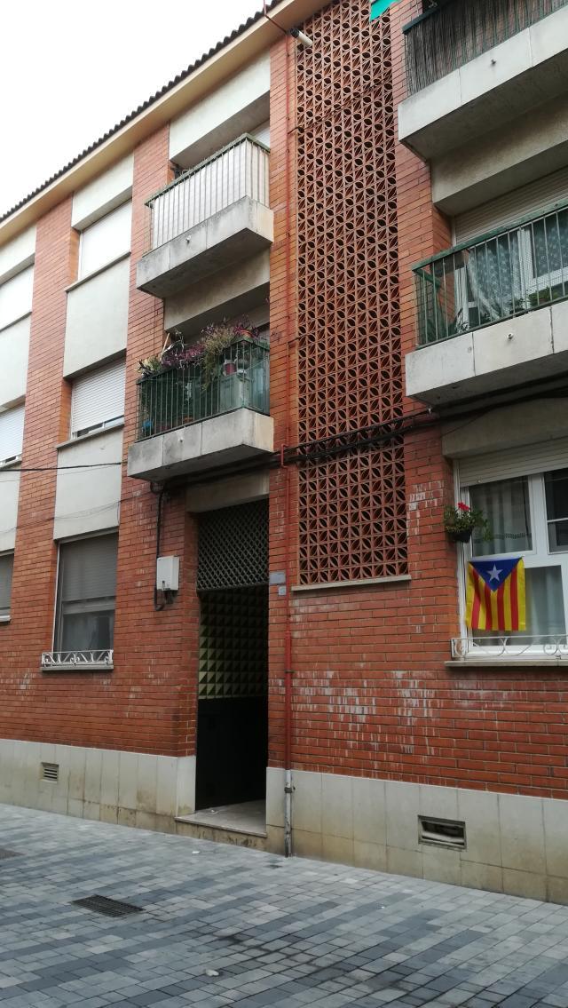Piso en venta en El Carrer D`en Dents, Llagostera, Girona, Calle Constancia, 98.000 €, 3 habitaciones, 2 baños, 105 m2