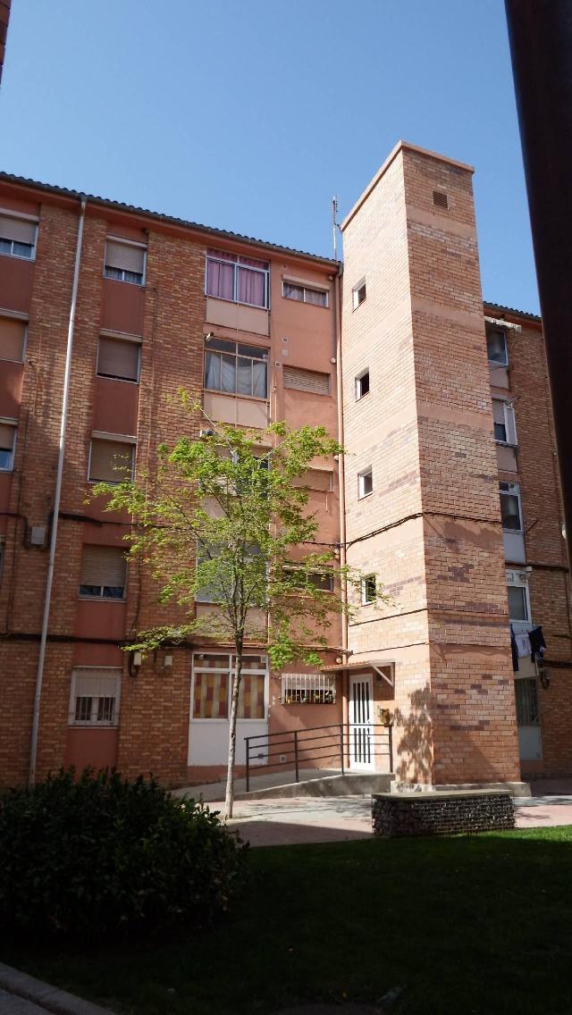 Piso en venta en Pardinyes, Lleida, Lleida, Paraje Grupo la Paz, 86.000 €, 2 habitaciones, 1 baño, 78 m2