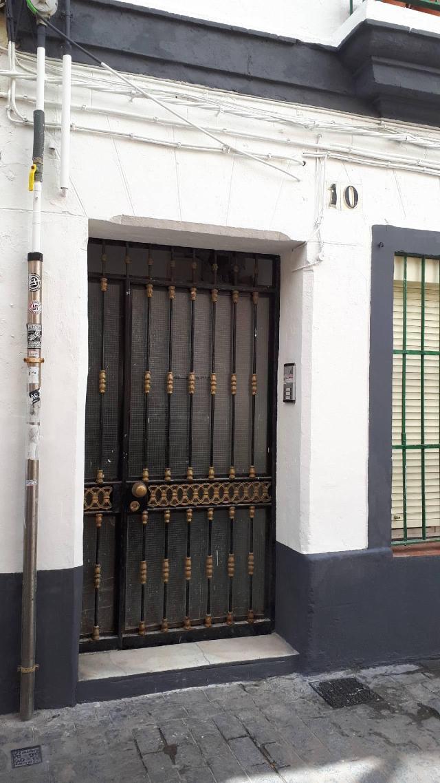 Piso en venta en Cádiz, Cádiz, Cádiz, Calle María de Arteaga, 115.000 €, 2 baños, 65 m2