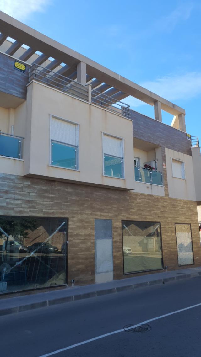 Piso en venta en Pilar de la Horadada, Alicante, Calle 12 de Octubre, 77.929 €, 2 habitaciones, 1 baño, 66 m2