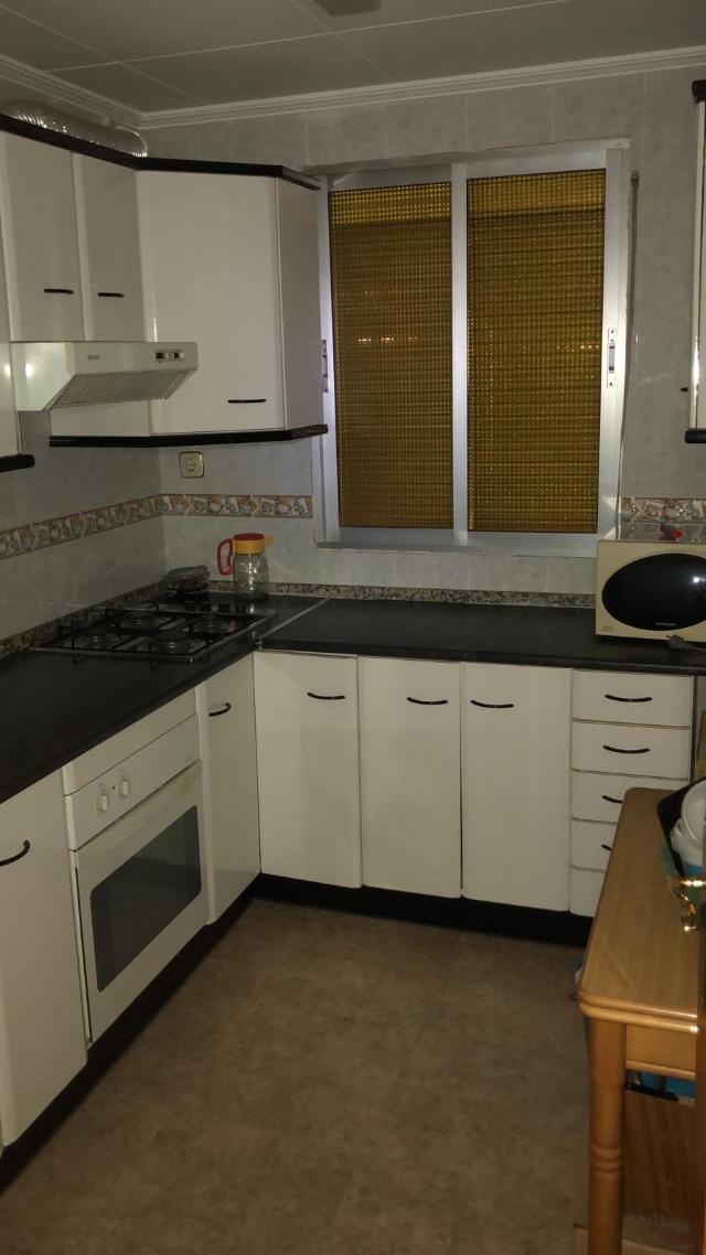 Piso en venta en Andorra, Teruel, Calle la Paz, 28.200 €, 3 habitaciones, 1 baño, 54 m2