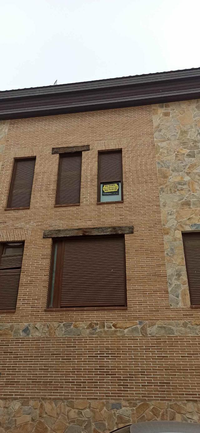 Piso en venta en San Agustín del Guadalix, Madrid, Calle Cambroneras, 185.000 €, 2 habitaciones, 2 baños, 110 m2